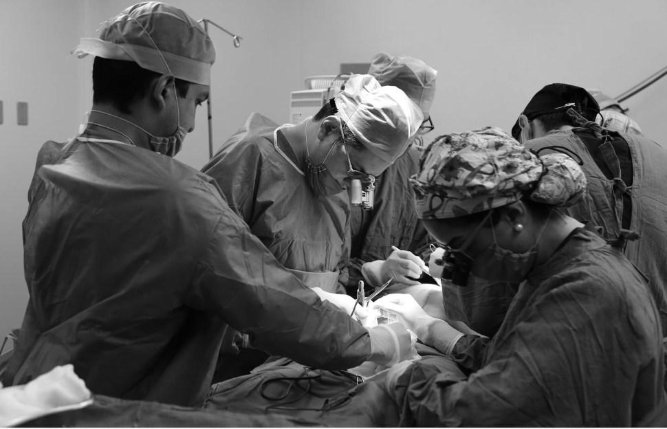 Piel y grasa de abdomen, para reconstrucción de mama tras cáncer