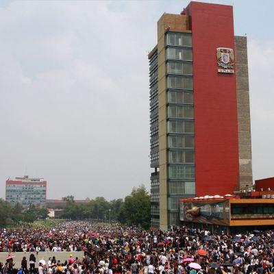 Estudiantes exigen destitución de 11 profesores de la UNAM por acoso sexual