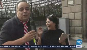 Repor entrevista a transeúntes en Madero