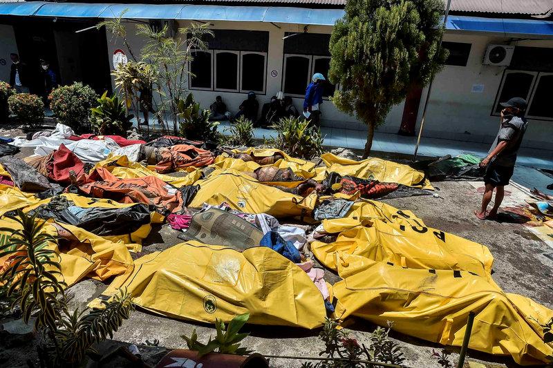 Ya son 1.571 los muertos por terremoto y tsunami en Indonesia