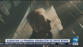Subastan la primera grabación de David Bowie