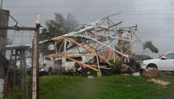 Tormenta en Morelia provoca caída de espectaculares