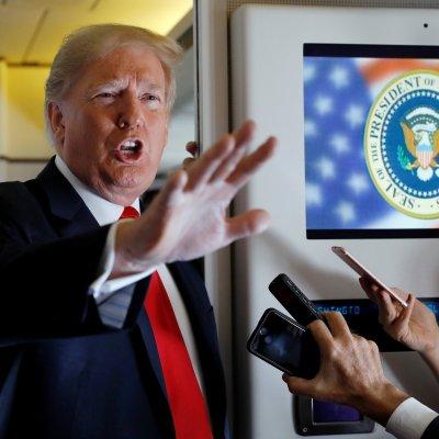 Trump amenaza a China con más aranceles, negociará comercio con Japón