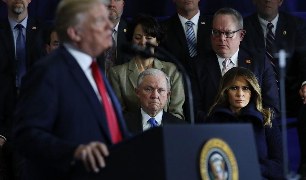 Trump ataca al fiscal Jeff Sessions