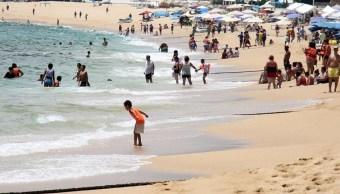 Mar de fondo Acapulco durante el fin de semana