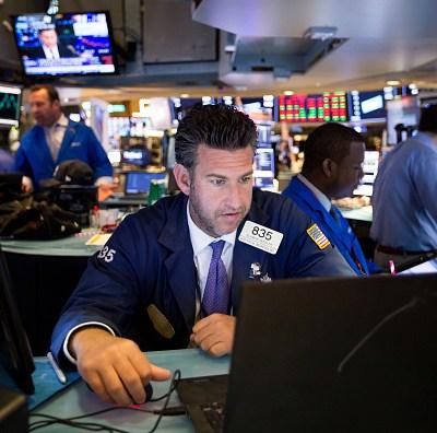 Wall Street cierra mixto y el Dow Jones retrocede 0.25 por ciento
