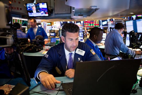 Wall Street cierra mixto y el Dow Jones retrocede