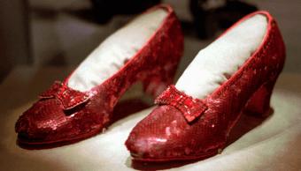 Zapatillas de El mago de Oz aparecen 13 anos después