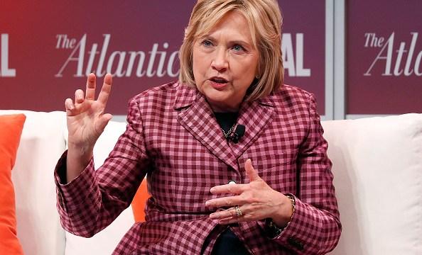 Hillary Clinton niega abuso de poder de su marido en caso Lewinsky
