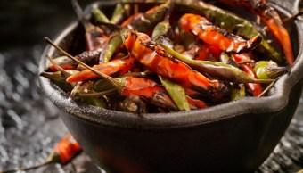 Comer chile protege contra el colesterol y libera endorfinas