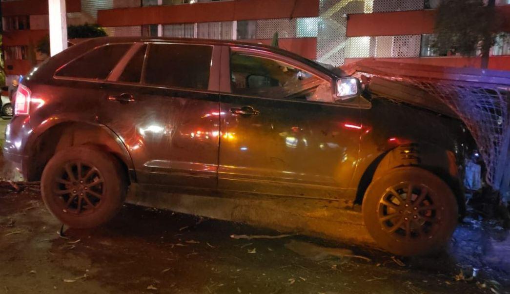 Accidente automovilístico deja un muerto y dos heridos
