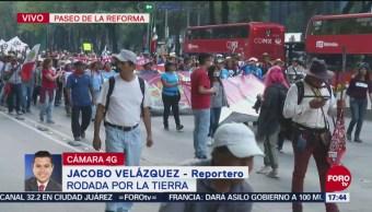 Activistas marchan sobre Reforma en Defensa de la Tierra