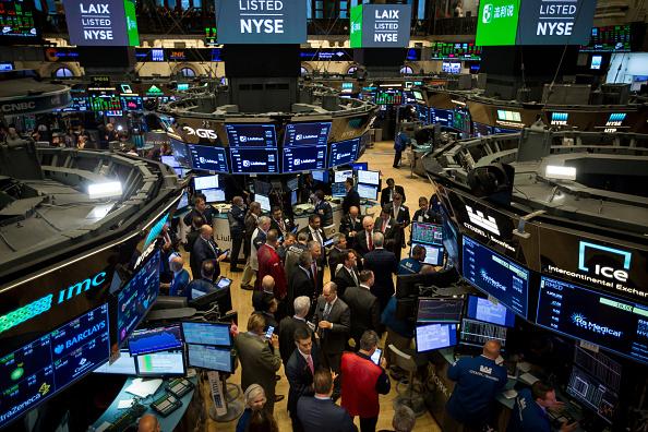 Wall Street cierra con pérdidas y el Dow Jones retrocede 0.68%
