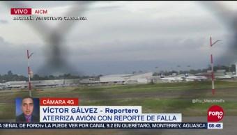 Aterriza avión con reporte de falla en AICM