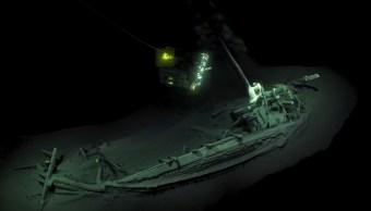 Hallan barco más antiguo del mundo en Mar Negro