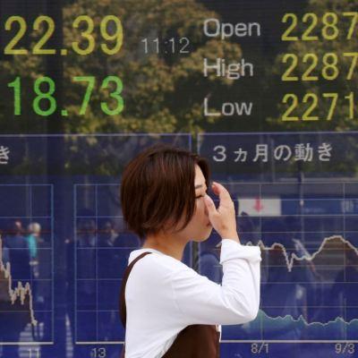Bolsa de Tokio baja a mínimos de dos meses; mercados en China pierden