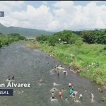 Caravana migrante descansa en Pijijiapan, Chiapas