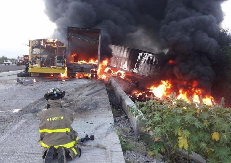 Choque entre camiones deja un muerto y tres lesionados