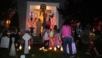Riesgos niños al pedir calaverita Halloween