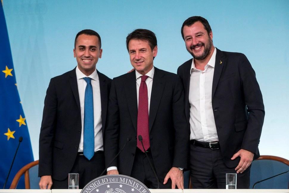 De izquierda a derecha, el vice primer ministro Luigi di Maio, el primer ministro Giuseppe Conte y el vice primer ministro Matteo Salvini