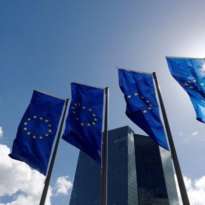 Desacelera crecimiento de empresas en Unión Europea por guerra comercial
