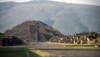 Descubren nueva cámara y túnel en Pirámide de la Luna