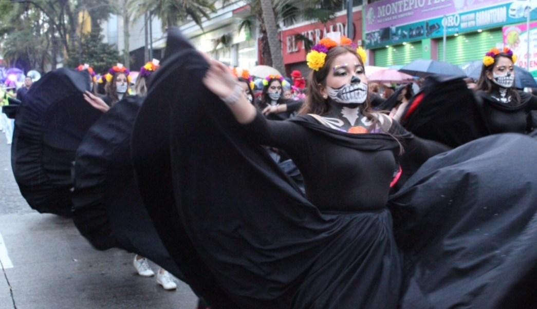 Día de Muertos; participan 5 mil personas en Paseo de Catrinas