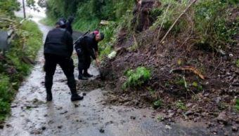 Lluvias provocan inundaciones en Querétaro y deslaves en Puebla