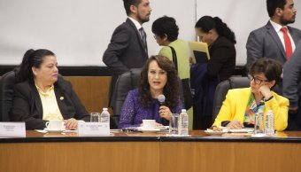Reforma energética motiva confrontación de diputados