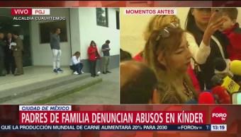 Edmundo Garrido atiende a padres de familia de niños abusados sexualmente