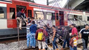 Usuarios reportan falla mecánica en Tren Suburbano