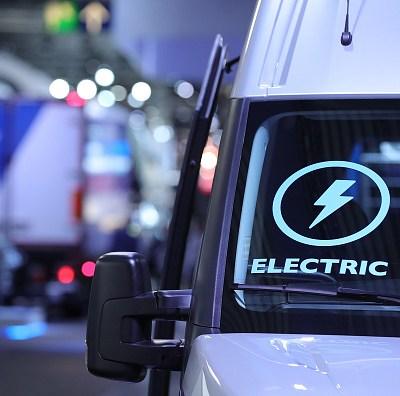 Dinamarca quiere prohibir venta de coches que usan gasolina en 2030