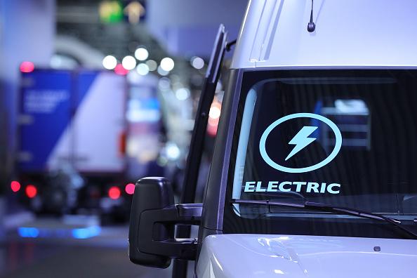 Dinamarca quiere prohibir venta de coches que usan gasolina