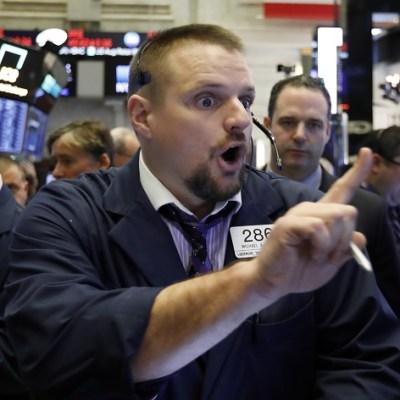 Wall Street cierra en rojo y el Dow Jones retrocede 0.35 por ciento