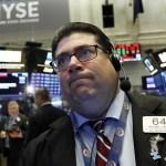 Wall Street recae por posible aumento en tasas de interés