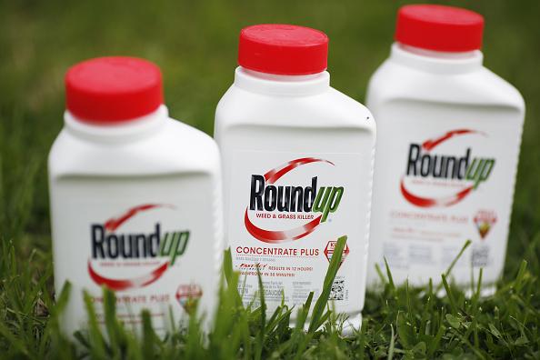 Reducen condena a Monsanto por provocar cáncer a jardinero