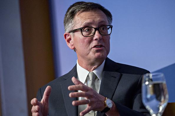 Richard Clarida respalda mayores tasas de interés de la Fed