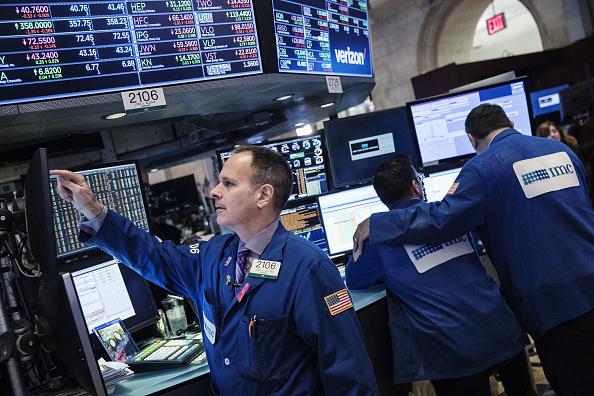 Wall Street cierra mixto y el Dow Jones sube