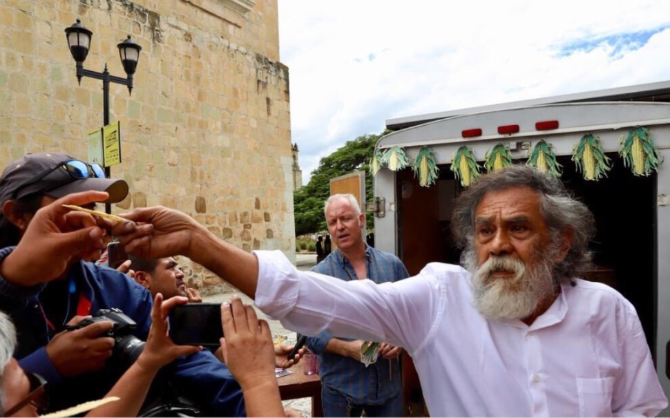 Francisco Toledo impulsa horno para totopos en Oaxaca