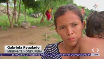 Gabriela, su esposo y dos hijos cruzaron a México por el río Suchiate