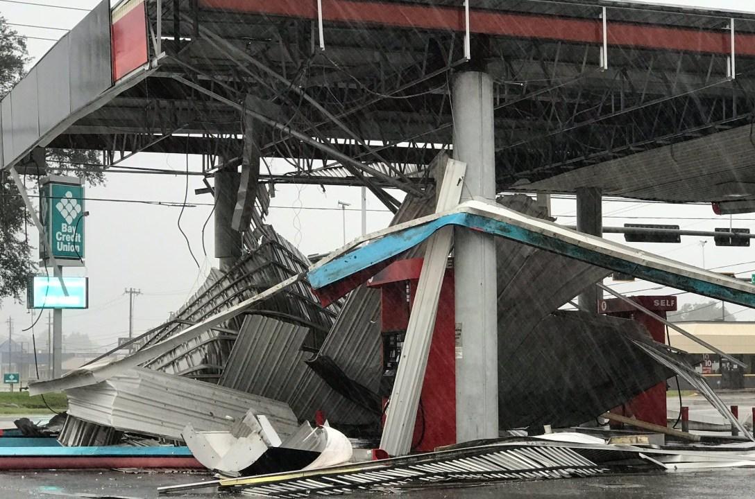 Huracán Michael causa daños en Florida y aún no toca tierra