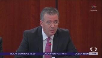 Gobernador Banxico señala precios de energía como riesgo para inflación