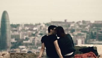 imagen-ilustrativa-humanos-monogamos-estudio-animales-naturaleza-parejas