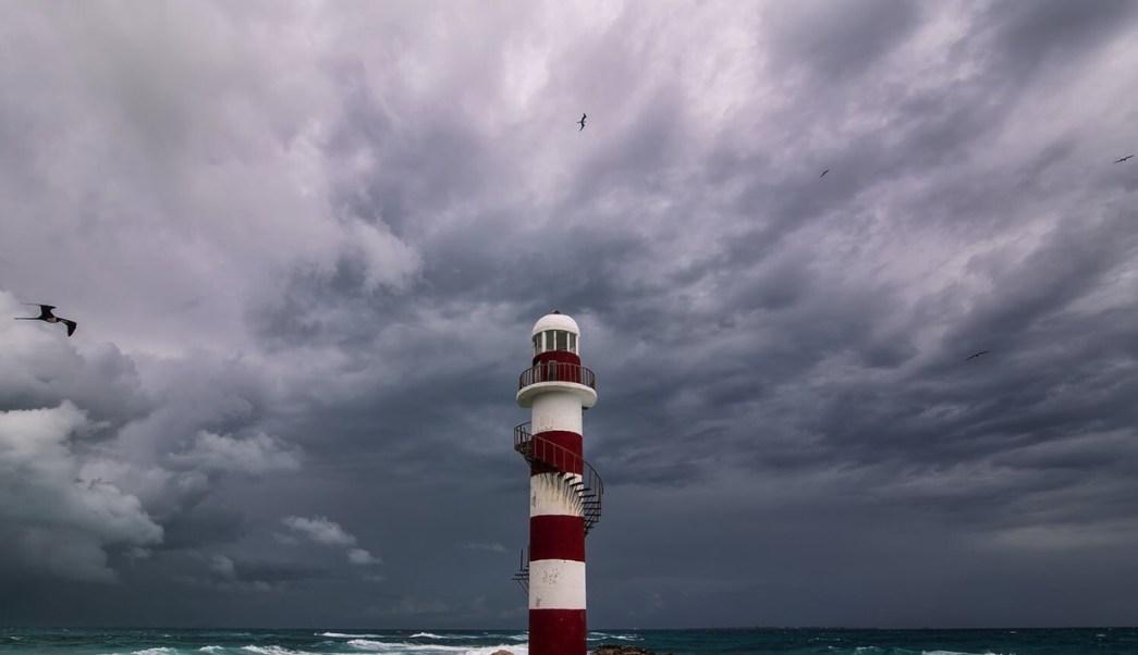 """""""Michael"""" se aleja de costas de Yucatán y Quintana Roo, pero provocará tormentas"""