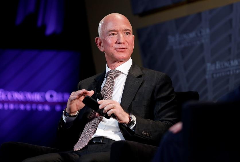 Jeff Bezos desbanca a Bill Gates como más rico en EU