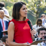 Trump insulta a periodista; sé que no estás pensando, dice
