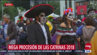 Procesión Catrinas Paseo De La Reforma Cientos De Personas