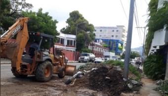 Canales pluviales de Acapulco; realizan trabajos de limpieza