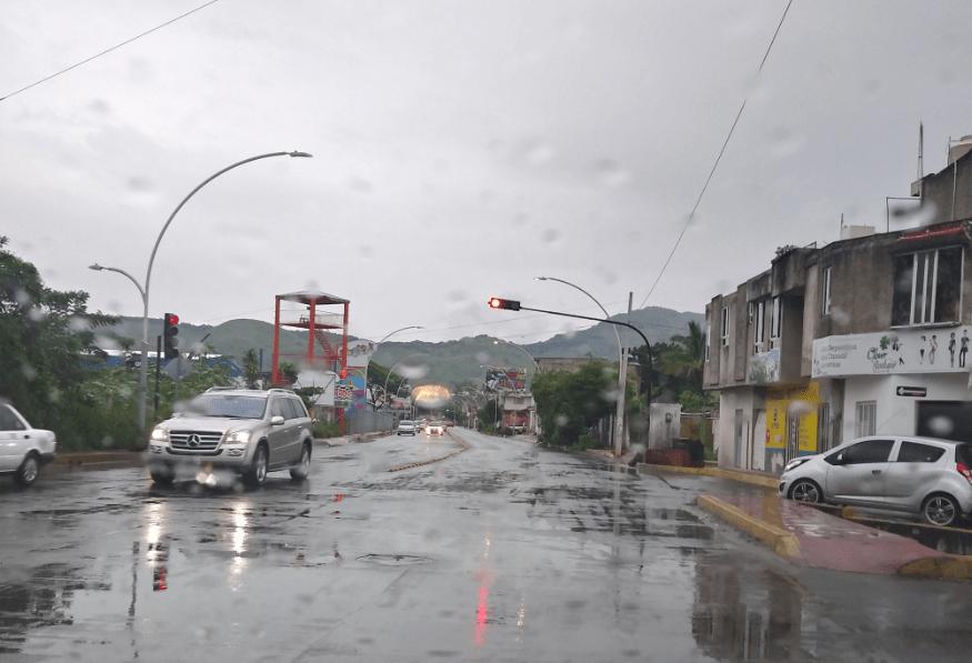 """Nayarit suspende clases en 11 municipios por huracán """"Willa"""""""