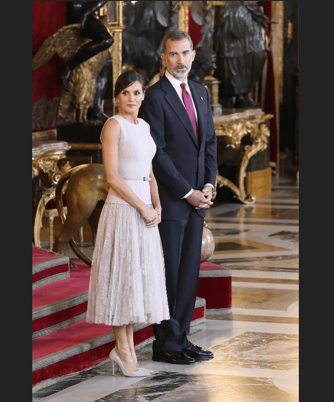 Los reyes de España durante recepción en el Palacio Real. (EFE)